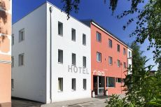 Hotel Ried **** Griesgasse 4 07752/22588 office@hotelried.at www.hotelried.at